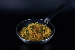 Spaghete aglio olio pepperoncino 500g o portie generoasa