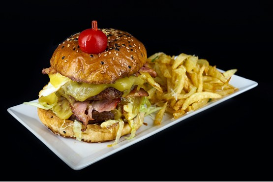 Double Burger de vita si cartofi pai , 700gr